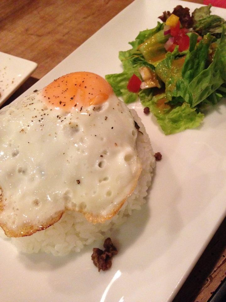 雨の屋久島旅3:美味しいカフェ飯と潮騒の首折れさばの刺身