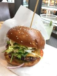 モールオブベルリンのハンバーガー