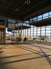 朝のズードクロイツ駅